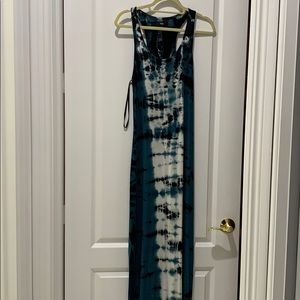 Greenish/white/black tie die max dress